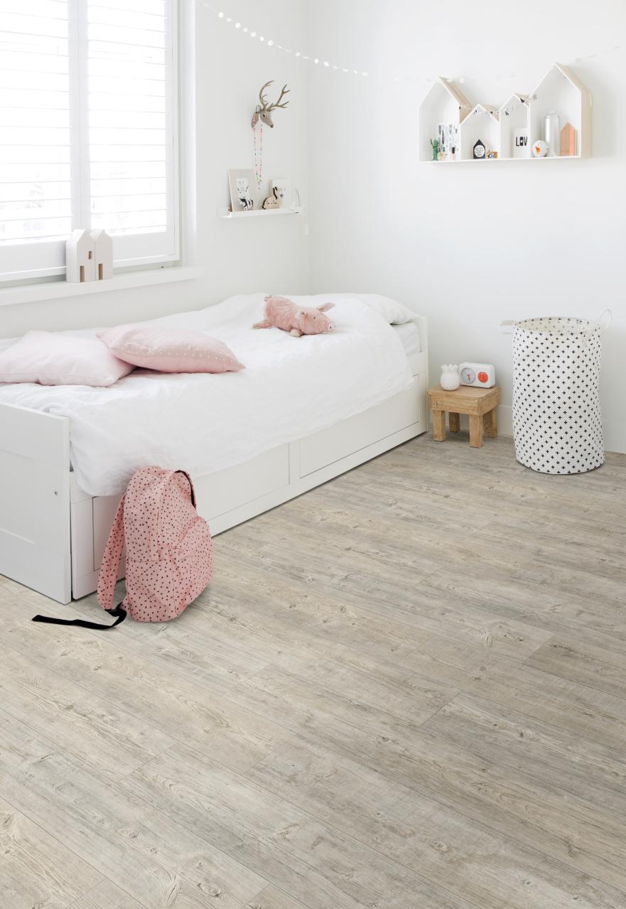 PVC vloer in kinderkamer #pvcvloer #moduleo #pvc #houtlook