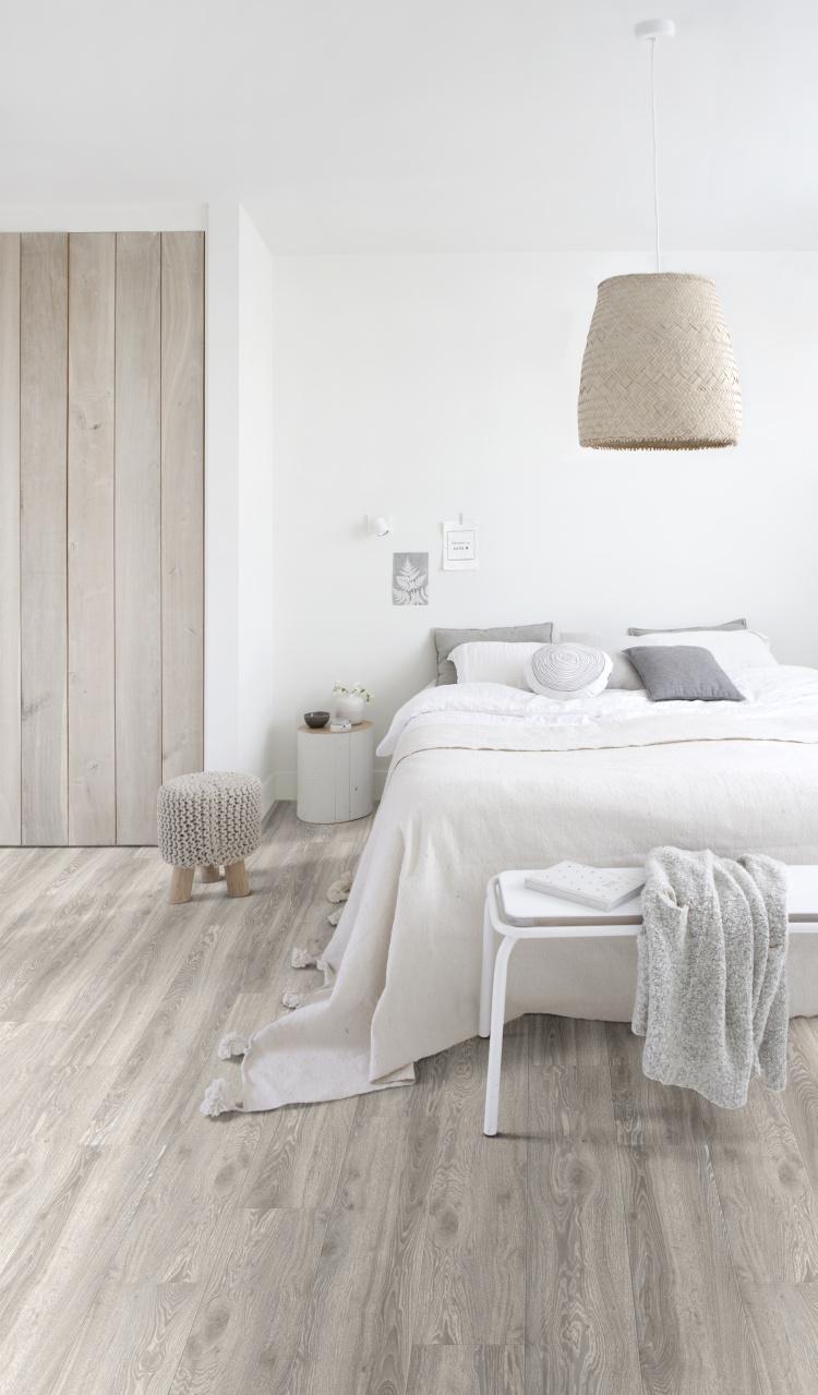 PVC vloer in slaapkamer #pvcvloer #moduleo #pvc #houtlook