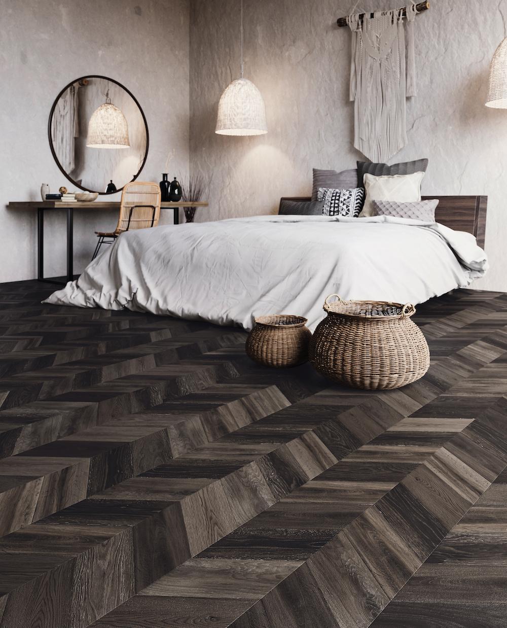 Slaapkamer inspiratie. Bohemian stijl met donkere visgraat vloer van Moduleo #slaapkamer #inspiratie #bohemian #vloer #visgraat #moduleo
