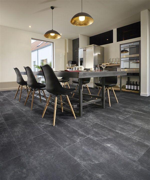 Moduleo PVC vloer met natuursteen look voor in de keuken.
