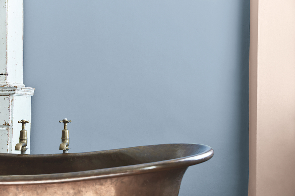 Badkamer kleur. Pasteltinten Verf Grey Stone 276 Light Peach Blossom 3 – Little Green #badkamer #inspiratie #kleur
