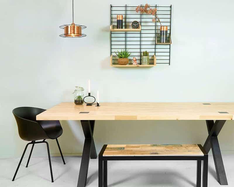 Houten tafel, houten bank en wandrek van Tolhuijs via Wooden Amsterdam #interieur #eettafel #hout