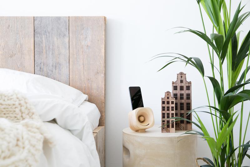 Houten grachten huisjes en houten versterker Trobla Woods Amsterdam #design #hout #interieur #accessoires