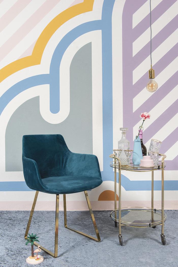 Multi-kleurenpalet op de muur met de nieuwe kleurentrend Urban Optimism Art Deco. Ecologische muurverf krijtverf van Amazona #amazona #krijtverf #kleurentrend #amazonakrijtverf #intrieur #interieurinspiratie