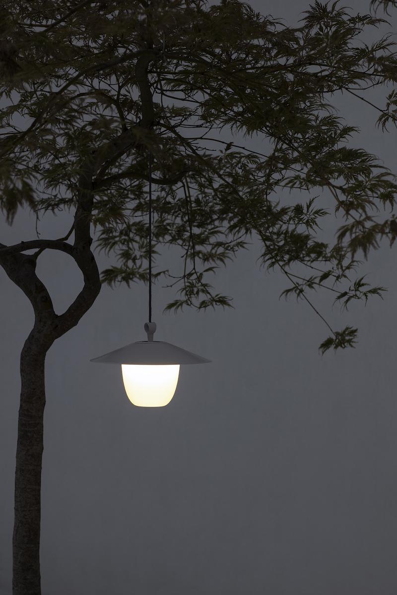 Tuininspiratie. Tuinverlichting. Tuinlamp van Blomus #blomus #tuin #terras #tuinmeubelen #tuinverlichting #tuinlamp #tuininspiratie #blomus
