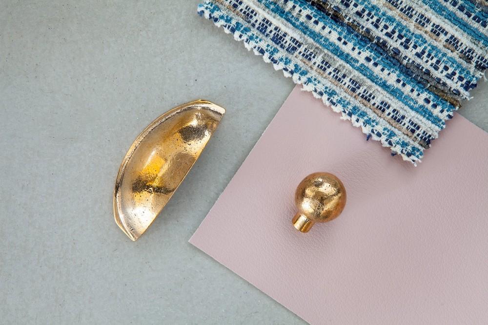 Dauby ruw brons gepolijst deurklink en deur- en raambeslag. Het materiaal dat voor warmte en glans zorgt in 2020