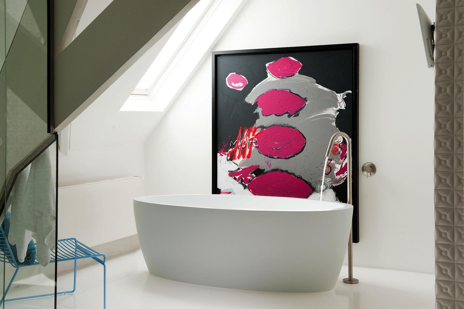 Bette badkamer bad kleur roze