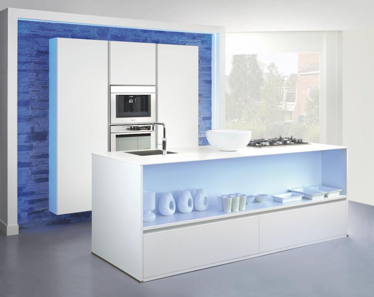 Grando keuken kleur neon blauw