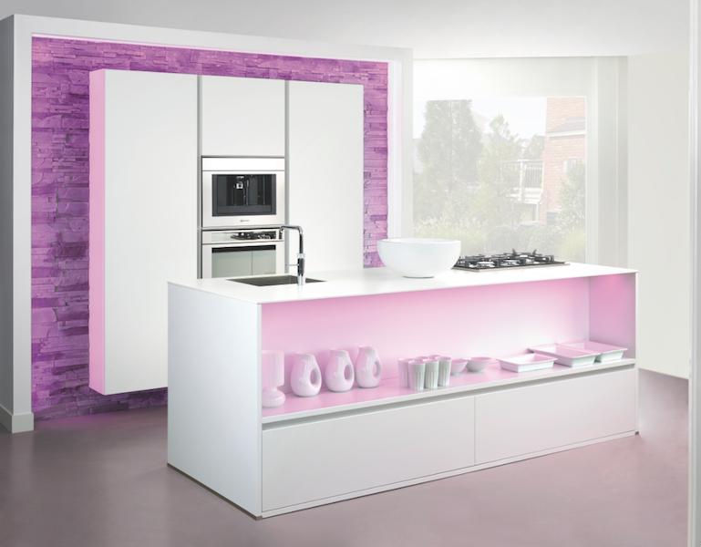 Grando keuken kleur neon roze