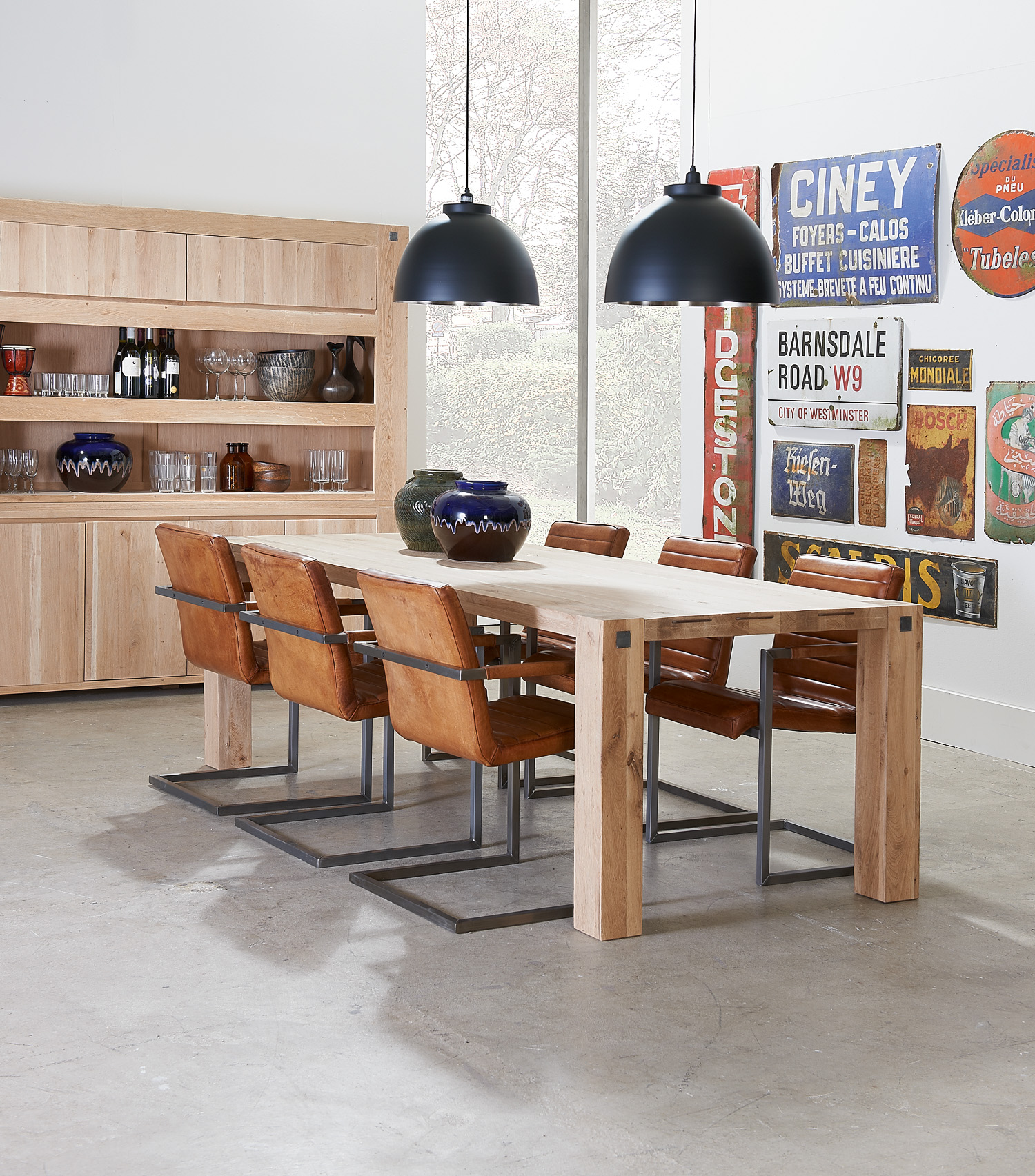 Eetkamertafel Goossens wonen en eetkamerstoelen