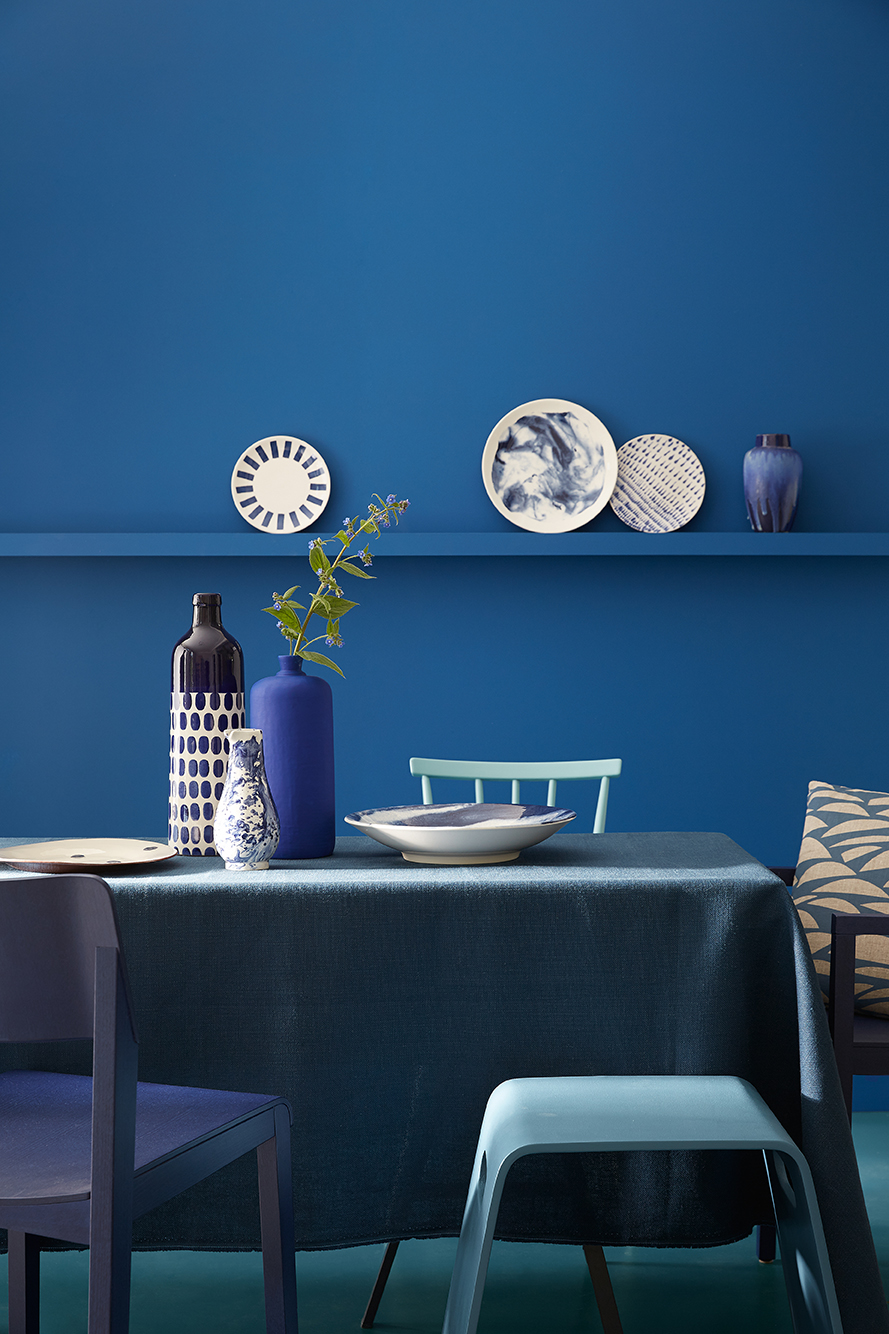 Blauwe muurverf van Little Greene