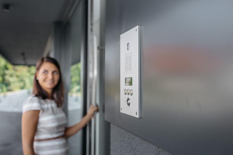 Smart Homes zorgen voor een betere kwaliteit van wonen en leven door technologie en diensten zo te integreren dat je van alle gemakken voorzien bent. In een Smart Home staat woonautomatisering voorop #loxone #smarthome #domotica