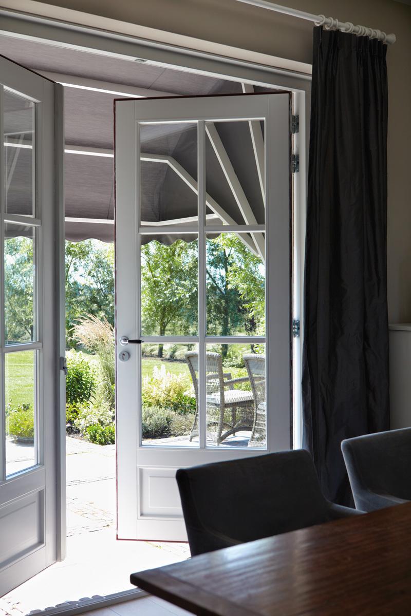 Zonwering passend bij het interieur #luxaflex #zonwering #interieur #tuin #tuininspiratie