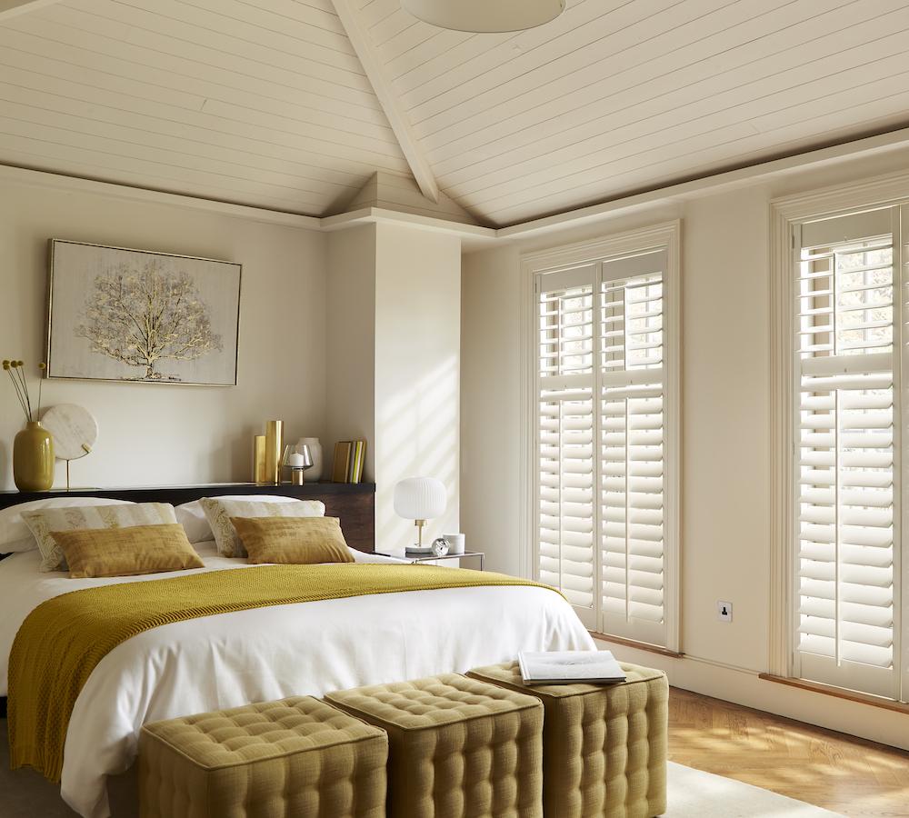 Shutters in de slaapkamer #slaapkamer #raambekleding #shutters #inspiratie #luxaflex