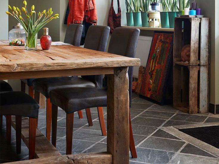 Eettafels van oud hout met een eigentijds design wonen - Eigentijdse eettafel ...