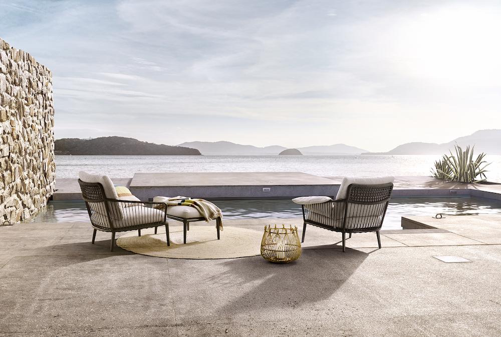 Rolf Benz outdoor collectie YOKO. #terras #tuin #tuinmeubels #rolfbenz #loungestoelen #tuinstoelen