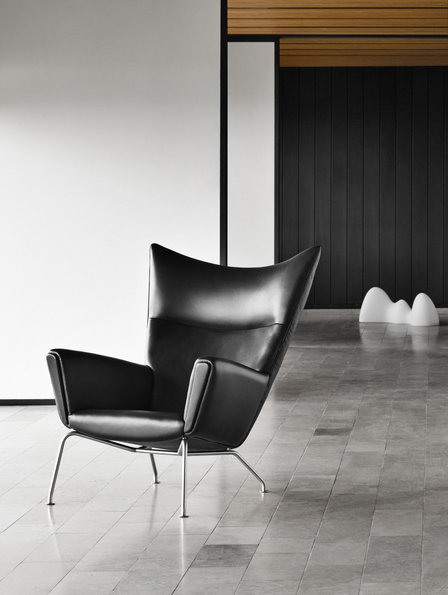 Wingchair stoel by Wegner via Carl Hansen & Son