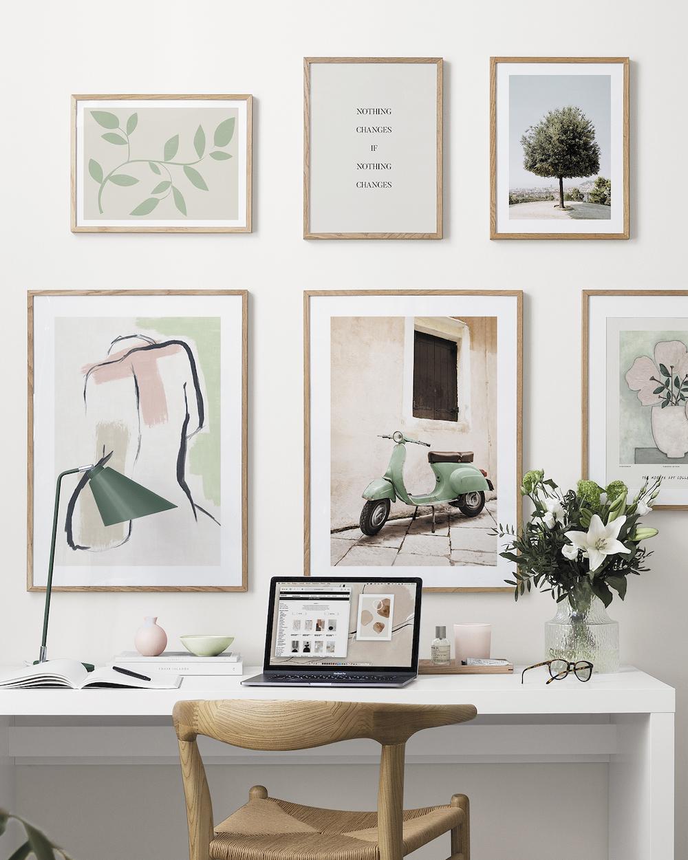 Thuiswerkplek. Thuis werken in inspirerebd thuiskantoor inspiratie #thuiskantoor #wanddecoratie #posters #Desenio