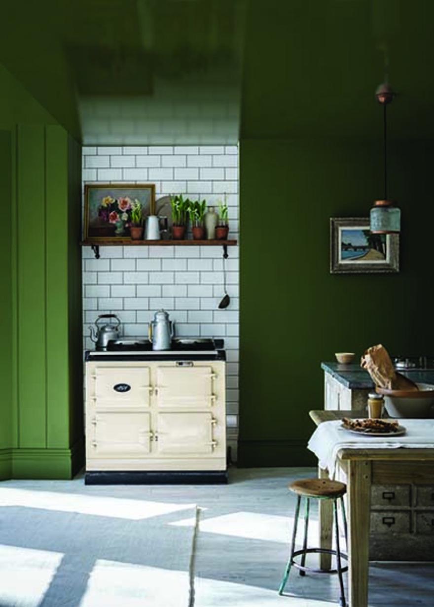 Nieuwe verfkleuren voor je interieur van Farrow & Ball: Brancha groen #keuken #groen #interieur #interieurinspiratie #muurverf #kluer #farrowball