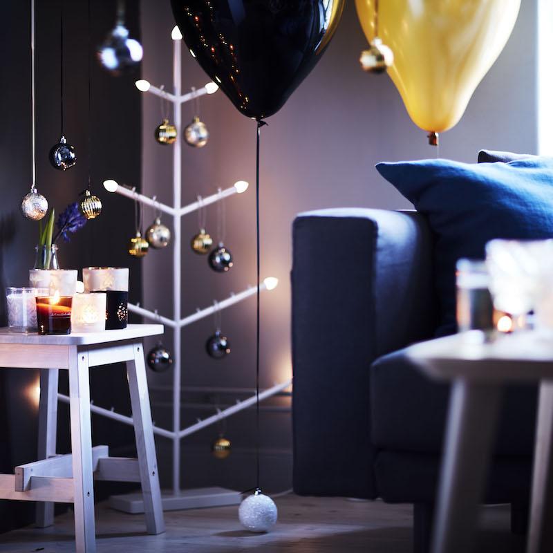 Breng je huis in feestelijke kerstsfeer met de nieuwe STRALA kandelaar in de vorm van een kerstboom van IKEA #kerst #kerstversiering