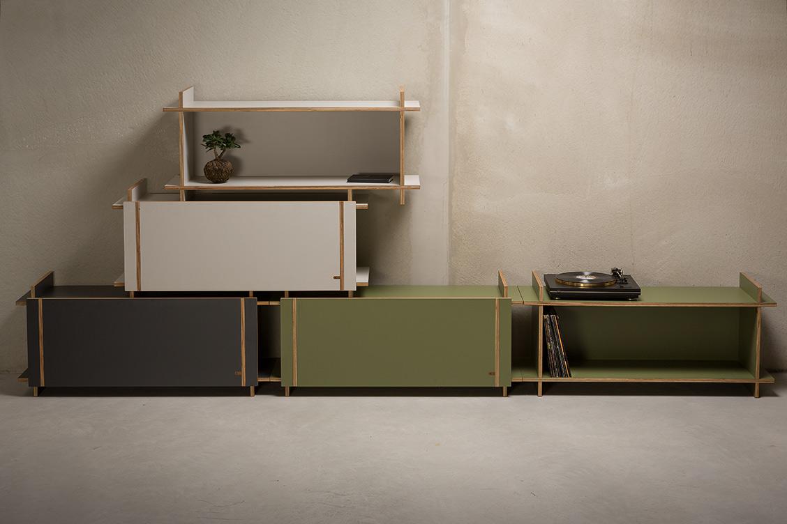 KILO is een uniek 'flat pack' meubelmerk van Amsterdamse bodem, gemaakt zonder schroeven, spijkers of lijm. Je meubelstuk wordt live in de winkel gemaakt, waarna je het direct thuis zonder gereedschap in elkaar kunt zetten. #kilo #dutchdesign #meubels #amsterdam