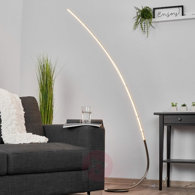 Vloerlampen. Verlichting voor een modern interieur. Minimalistische vloerlamp #verlichting #vloerlampen #interieur