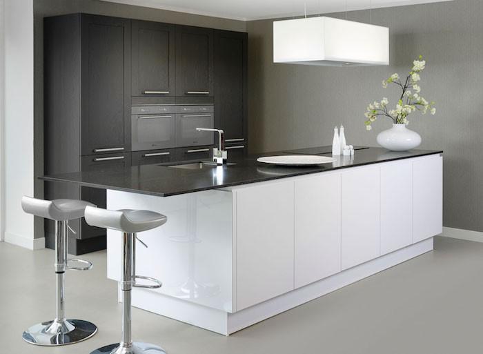 5X inspiratie voor moderne keukens. Wit en zwart keuken #keuken #keukeninspiratie